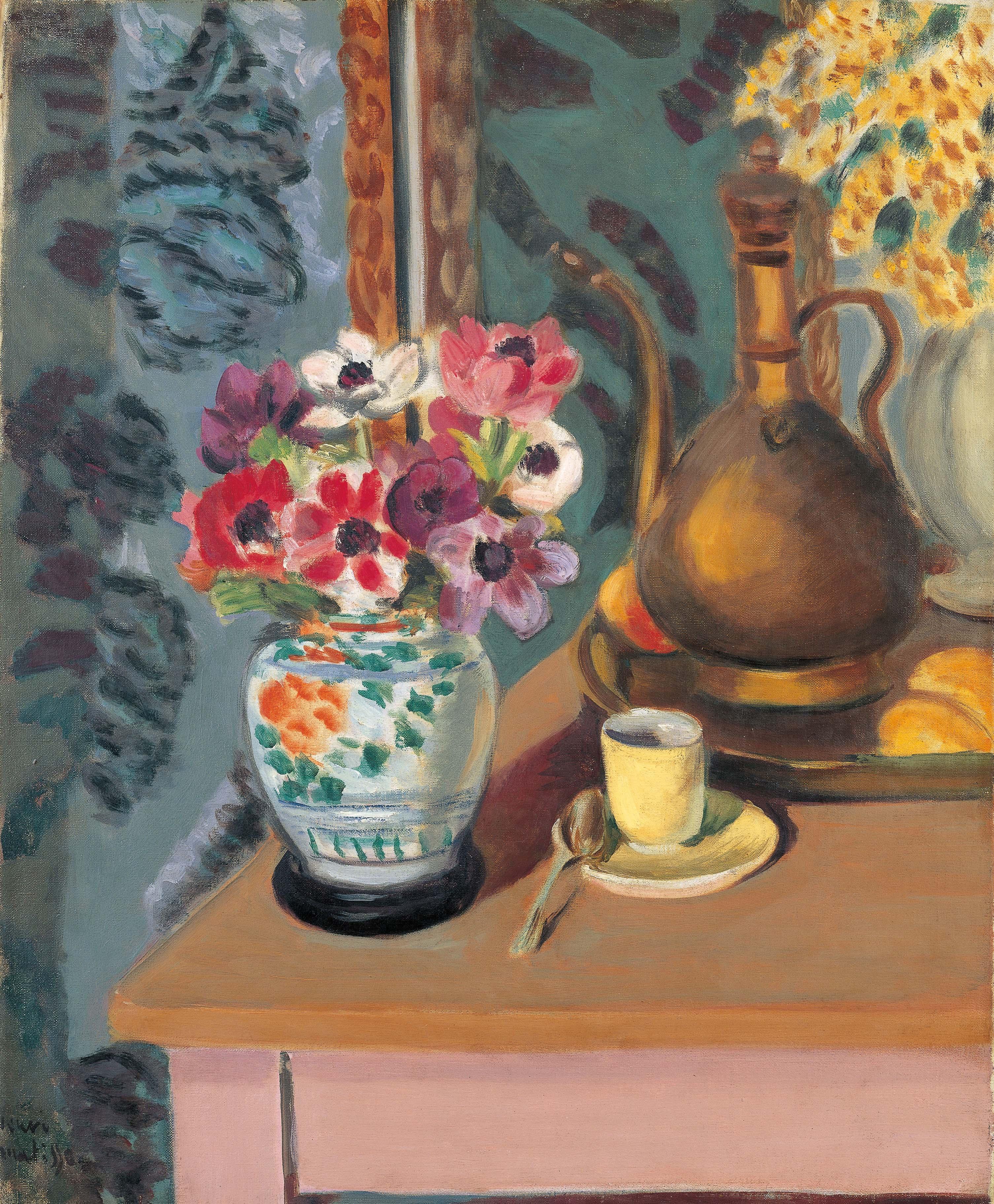 花とコーヒーカップ